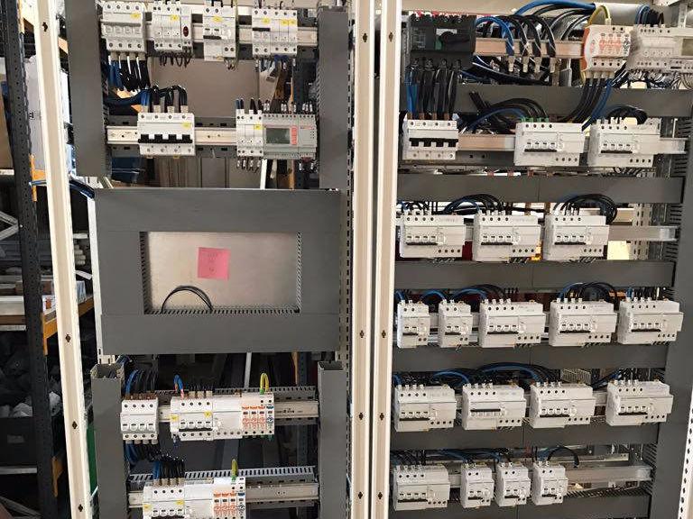 Schemi Quadri Elettrici Industriali : Elettrosystem quadri elettrici e automazione